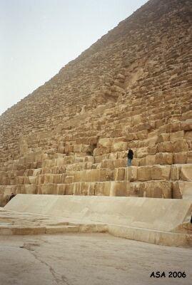 khufun_pyramidi_pohjoissivu